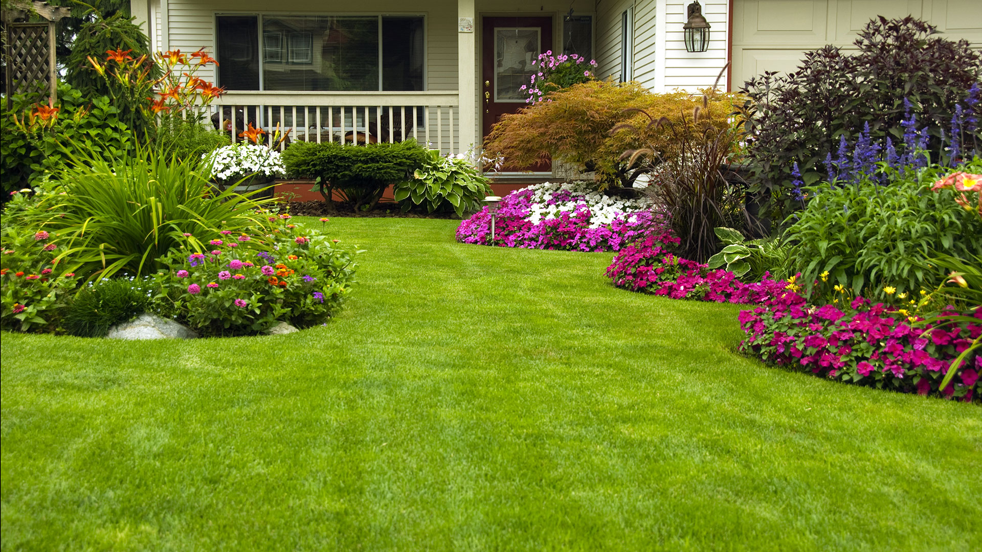 Chicago Landscaping: Residential Lawn Aeration, Lawncare Services